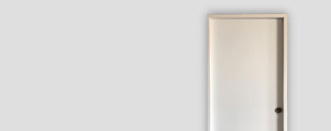 protege tu trastero. puertas de seguridad para trasteros